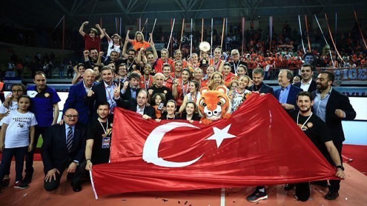Eczacıbaşı VitrA'da CEV Kupası şampiyonluğu sevinci