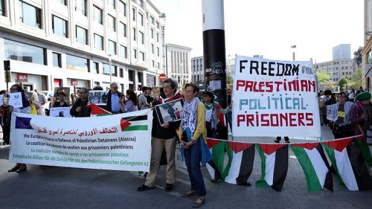 Brüksel'de Filistinli mahkumlara destek gösterisi