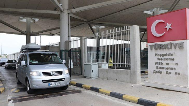 Karayolu ile Türkiye'ye gidenlerin dikkatine