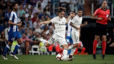 Yılın futbolcusu Modric
