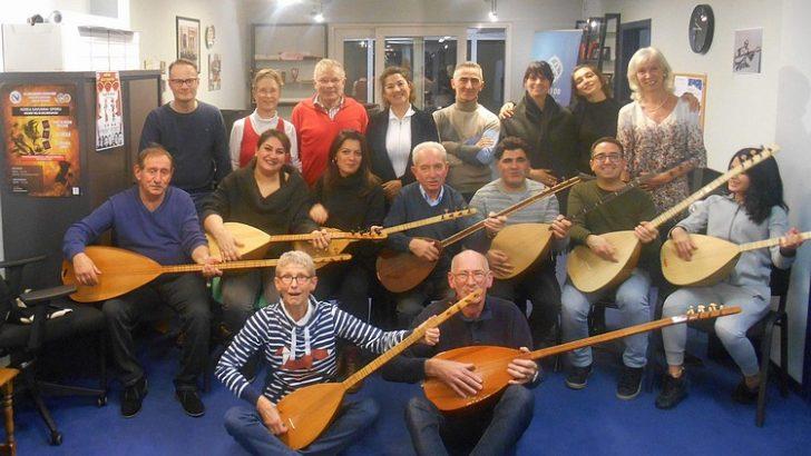 Belçikalı öğrencilerle Türk Halk Müziği korosu kuruldu