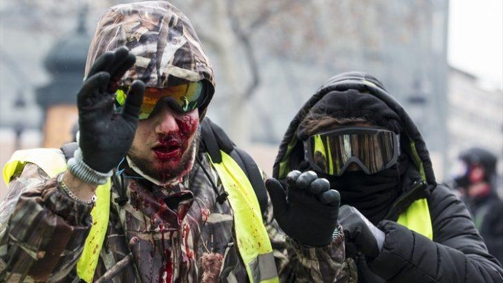 Paris gösterilerinde şiddet ara sokaklara sıçradı