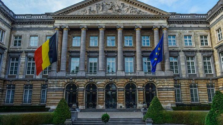 Belçika'da yeni hükümet yemin ederek göreve başladı