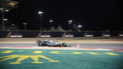 Hamilton, Schumacher'in rekoru için İstanbul'da