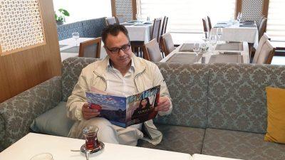 """Belçikalı Türklerden """"Biz Bize"""" dergisine tam puan"""