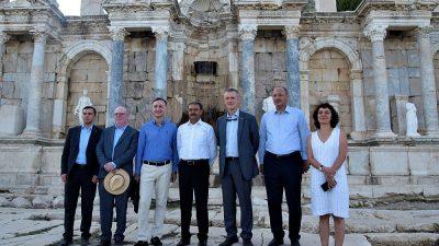Brüksel Büyükelçisi Gümrükçü Sagalassos'u gezdi