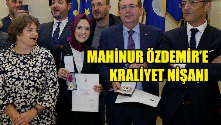 Mahinur Özdemir'e Kraliyet Nişanı