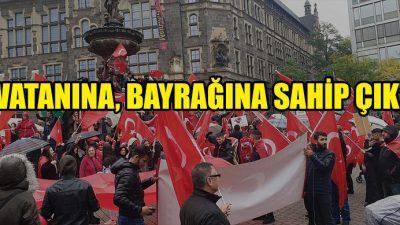 """Almanya'da yaşayan Türklerden """"Vatanına Bayrağına Sahip Çık"""" mitingi"""
