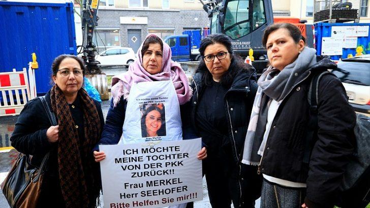 Almanya'da PKK tarafından kaçırılan kızın annesinden eylem