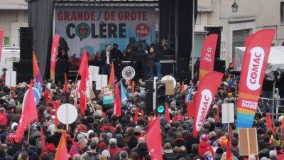 """Brüksel'de """"Büyük Öfke"""" mitingi düzenledi"""