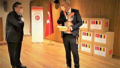 Türkiye'den Belçika'daki Liege Valiliğine maske yardımı
