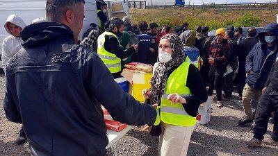 YTB ve UID'den Fransa'daki mülteci kampına yardım