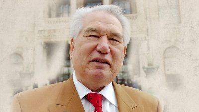 """""""Bozkırın bilge kalemi: Cengiz Aytmatov"""""""