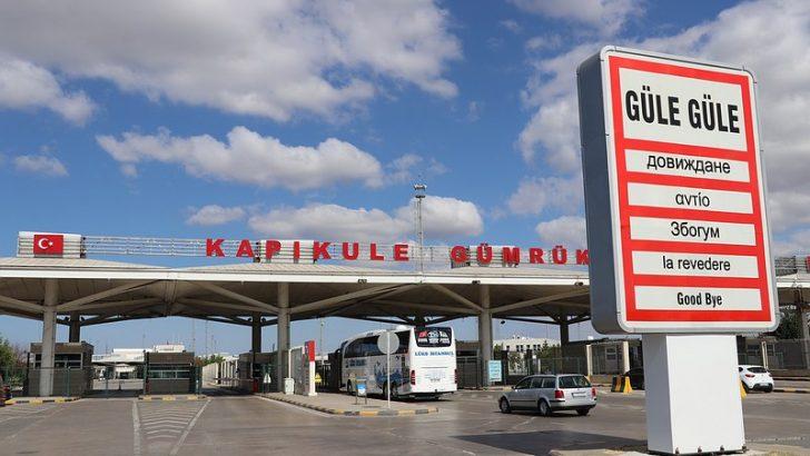 Kovid-19 Avrupa'ya açılan sınır kapılarındaki hareketliliği de etkiledi