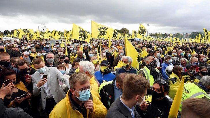 """Belçika'da aşırı sağcılardan """"Vivaldi"""" protestosu"""