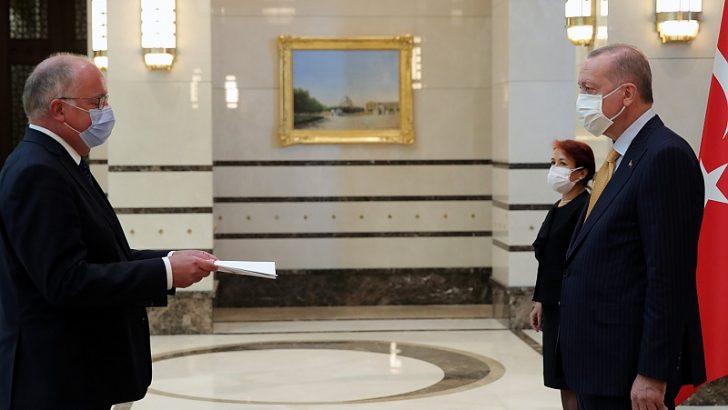 Belçika Büyükelçisi Huynen, Erdoğan'a güven mektubu sundu