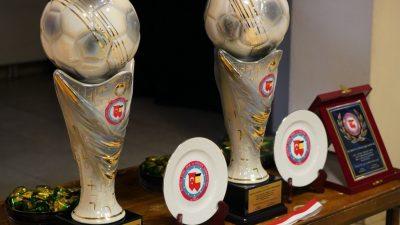 Belçika liglerinde top koşturan Türk futbolculara ödül