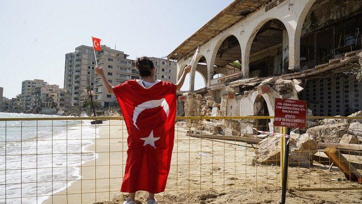 AP'de Maraş ve Kıbrıs müzakereleri konulu tasarı kabul edildi