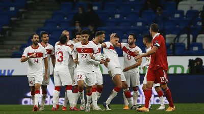 Milli takım, Rusya'da beraberliğe razı oldu