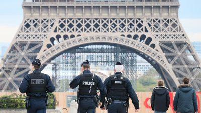 Paris'te sokağa çıkma yasağı uygulaması devam ediyor