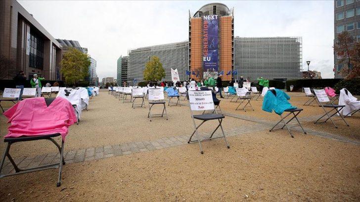 Brüksel'de sağlıkçılar için protesto düzenlendi