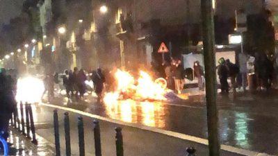 Belçika'daki gösterilerde polis merkezinin girişi ve bir araç ateşe verildi