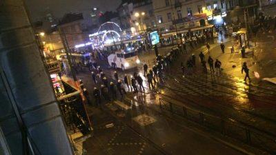 Belçika'da gözaltında ölen Afrikalı genç için düzenlenen gösteride arbede çıktı