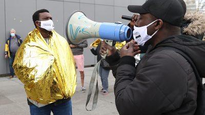 Brüksel'de düzensiz göçmenler oturum taleplerine olumlu yanıt istiyor