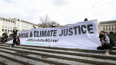 Belçika'da iklim değişikliğine dikkat çekmek için gösteri düzenlendi