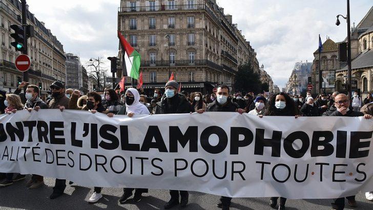 """Fransa'da """"ayrılıkçı"""" yasa tasarısına karşı gösteriler devam ediyor"""
