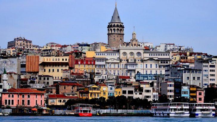 Seyahat kısıtlamasına rağmen öğrencilerini İstanbul'a götüren öğretmenler soruşturma