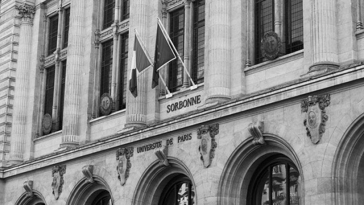 Fransa'da Senato, üniversitelerde ibadeti yasaklamak istiyor