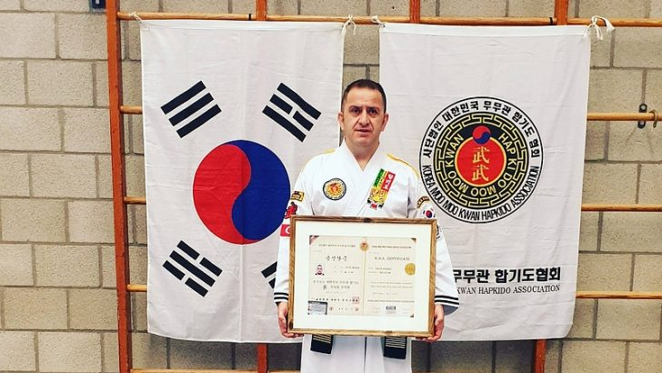 Belçikalı Türk Hapkido Büyük ustasına Kore'den 8.Dan verildi