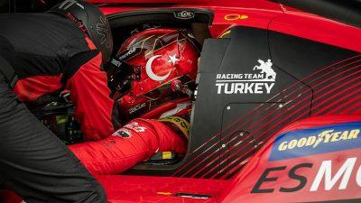 Milli otomobil sporcusu Salih Yoluç, Racing Team Turkey ile İtalya'da podyuma çıktı